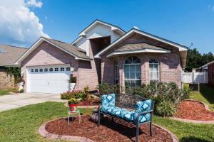 Navarre waterfront community home